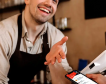 Плащането в брой отстъпва все по-назад