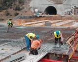 "Свлачища на тунел ""Железница"" бавят строежа"