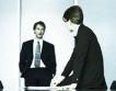 Служители и мениджъри в BG фирми трудно общуват