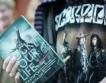 Десетки фенове получиха автографи от Scorpions