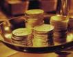 Златото продължава ралито си, а петролът падна под $77