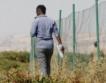 Мигрантският поток минава през Албания