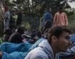 Мигранти: Централна Европа поема контрола