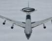 Самолет AWACS каца в София