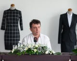 Dika отваря магазини във Франция