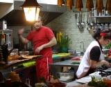 Китай: Споделени кухни; интелигентна улична лампа