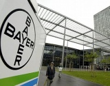 Съкращения в Societe General и Bayer