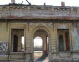 Царската гара в Казичене се руши