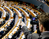 ЕП гласува +100 млн.евро за образователни програми