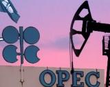 ОПЕК+ намалява добива на петрол