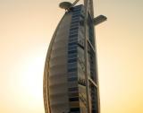 Дубай увеличава държавните разходи
