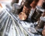 Надмощието на долара остава