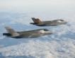 52 изтребители F-35 тествани + видео