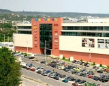 ДЗИ придоби бизнес център MALL VARNA